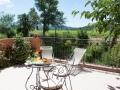 Terrasse d'une chambre avec vue sur le vignoble Provençal